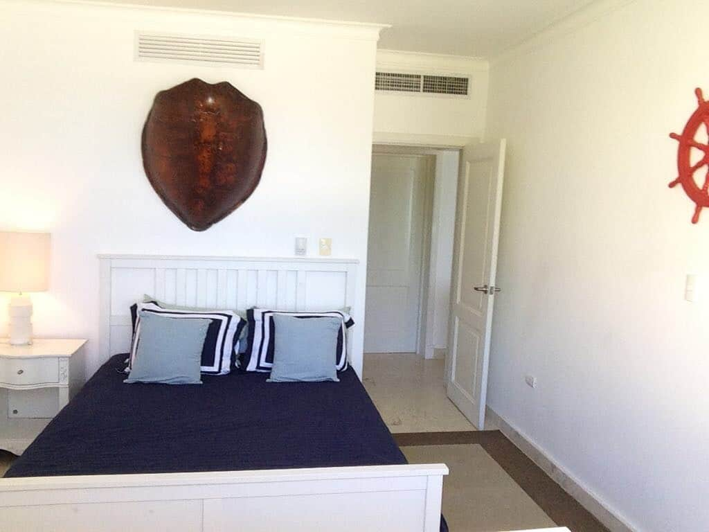 turquesa beach front condo bedroom